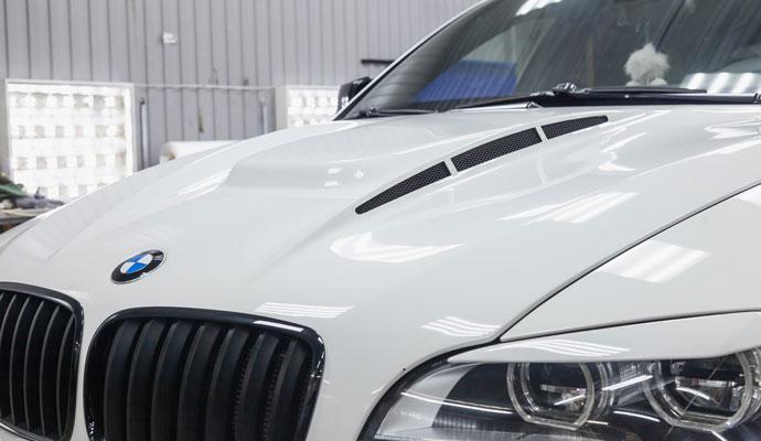 Zajmujemy się naprawą uszkodzonych aut marki BMW. Posiadamy ogromne doświadczenie w serwisowaniu samochodów. Nikt inny we Wrocławiu nie może się z nami równać.