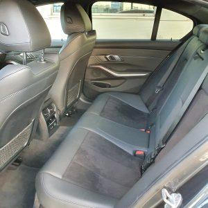 Sporo przestrzeni na tylnej kanapy daje ogromny komfort pasażerem tego BMW. Proponujemy jazdę próbną po ulicach Wrocławia