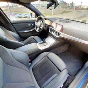 Bogate wyposażenie tego BMW sprawia, że nawet najbardziej wymagający klienci z Wrocławia się w nim odnajdą.